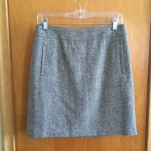 Banana Republic tweed skirt, wool blend. Size 4.